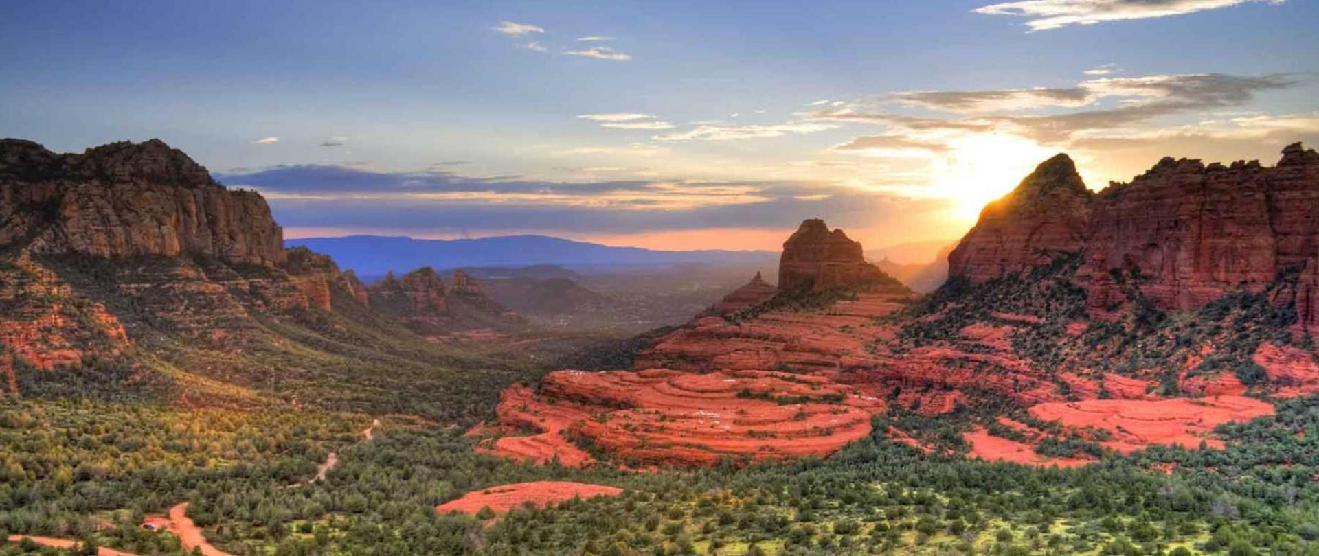 sedona-sunset.jpg.1920x807_default.jpg