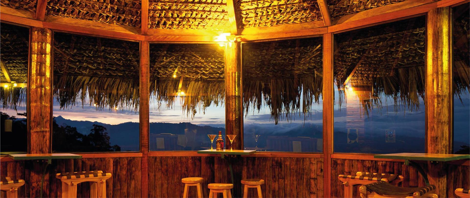 Yumbo-Spa-y-Resort-Hotel-en-Gualea-Bar.jpg