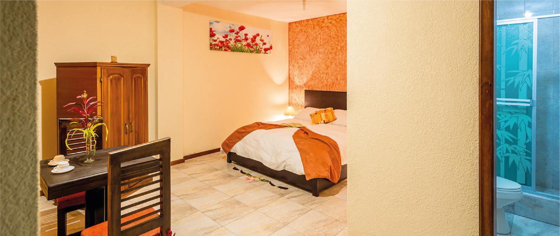 Yumbo-Spa-y-Resort-Hotel-en-Gualea-standard-suite.jpg