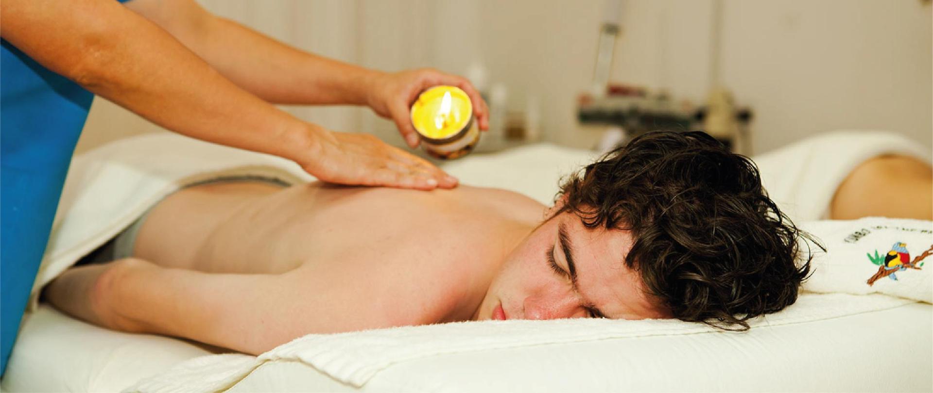 Yumbo-Spa-y-Resort-Hotel-en-Gualea-massage.jpg
