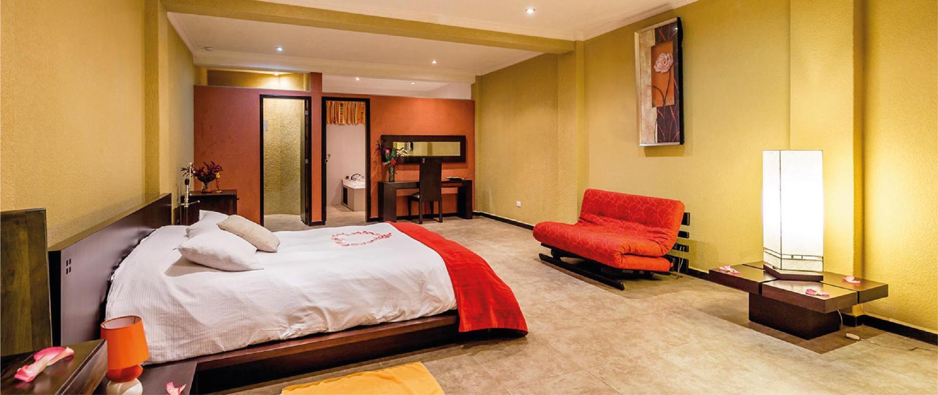 Yumbo-Spa-y-Resort-Hotel-en-Gualea-Master-suite.jpg
