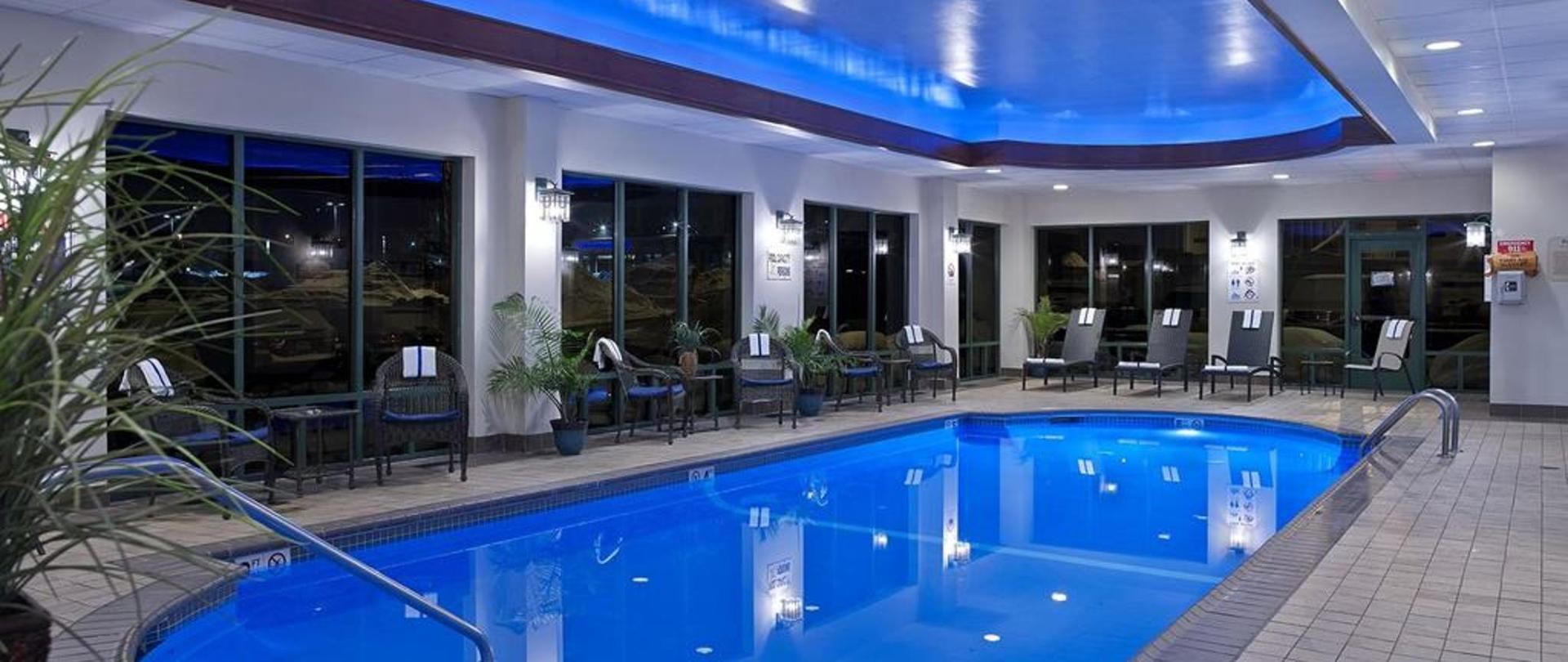comfort inn suites boston near logan airport free. Black Bedroom Furniture Sets. Home Design Ideas