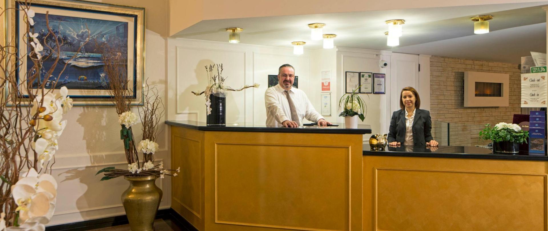 hotel-campione-bissone-reception-rast-marcia.jpg