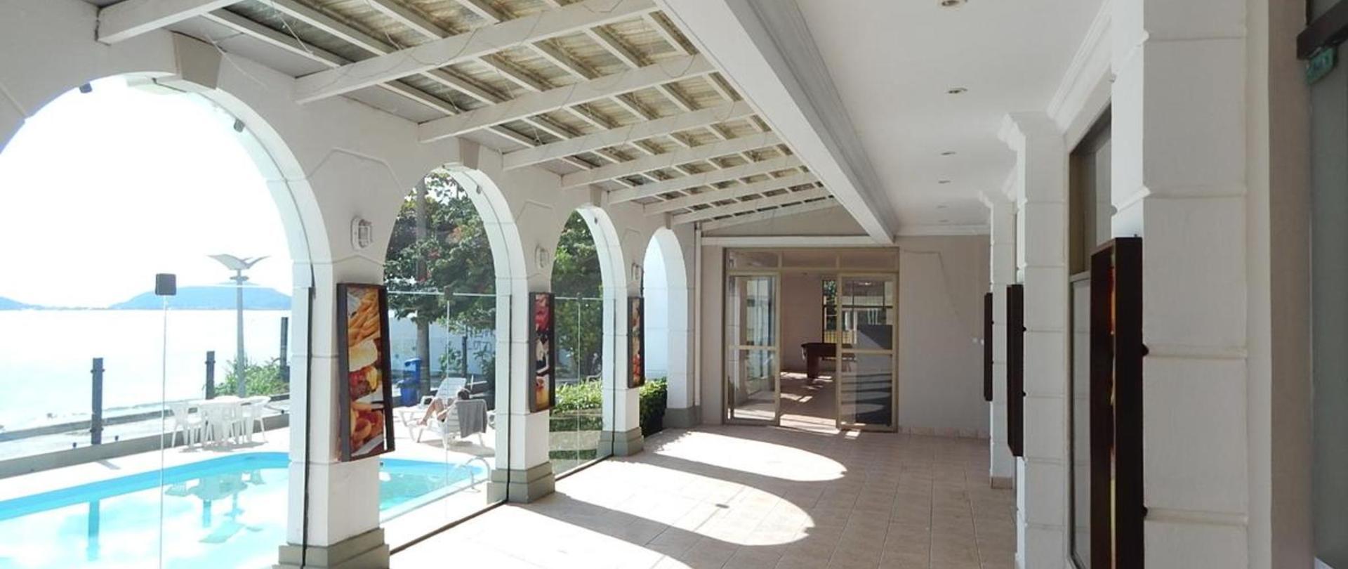 Hall piscina