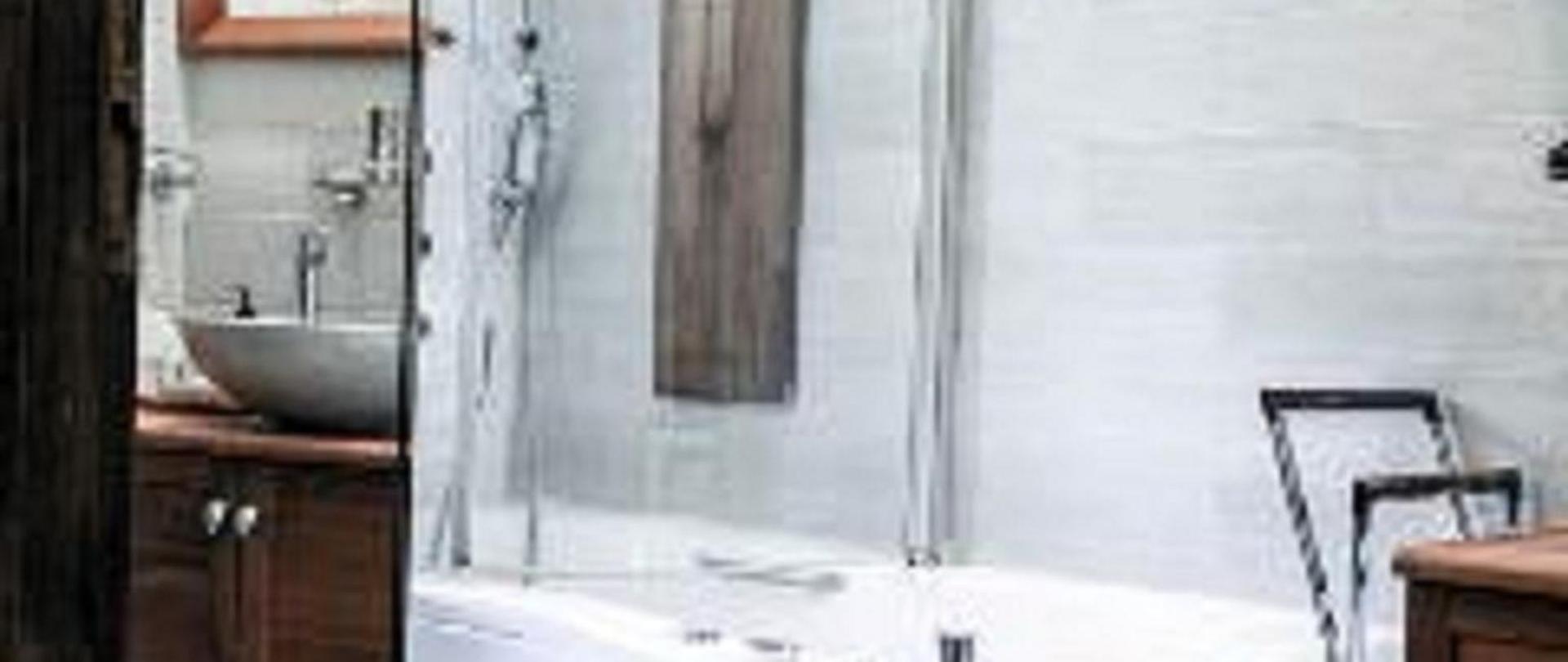 salle de bain Villa Victoria.jpg