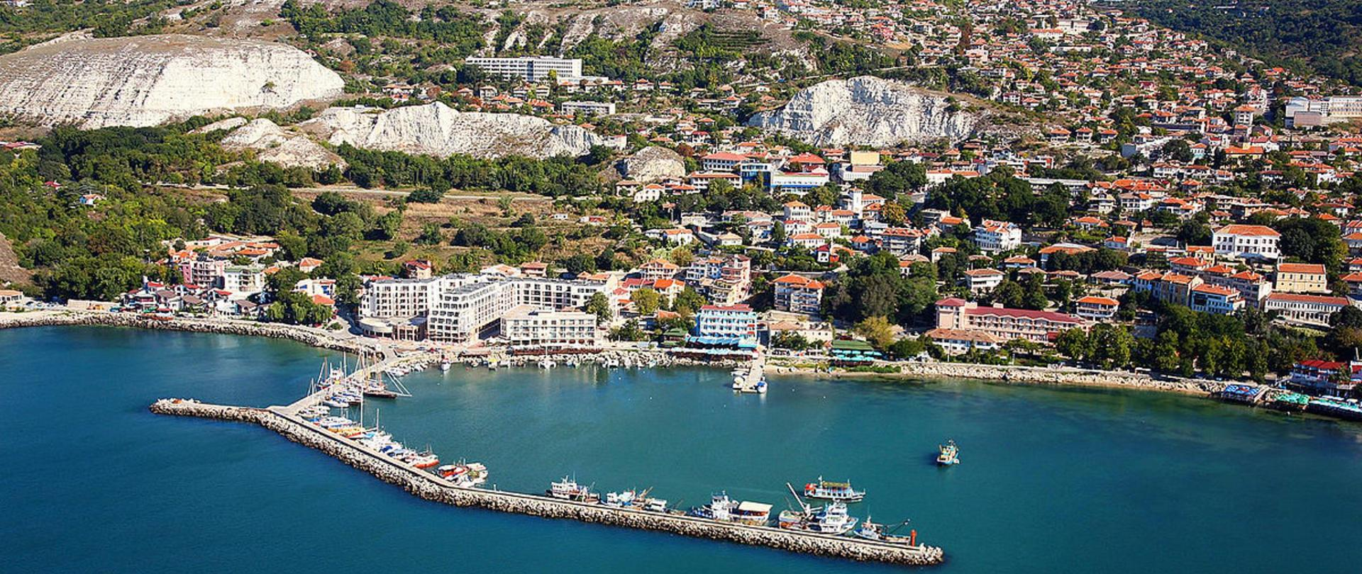 1200px-Balchik_Bulgaria_aerial_photo_from_the_Black_Sea.jpg