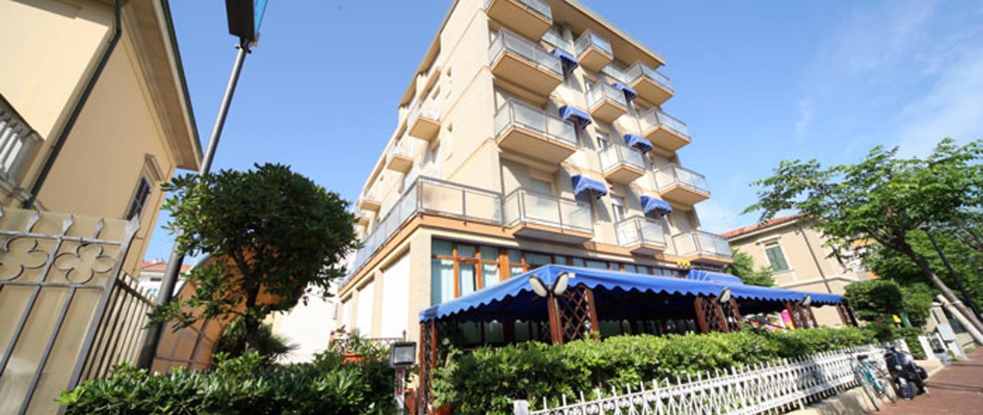 esterno-hotel-