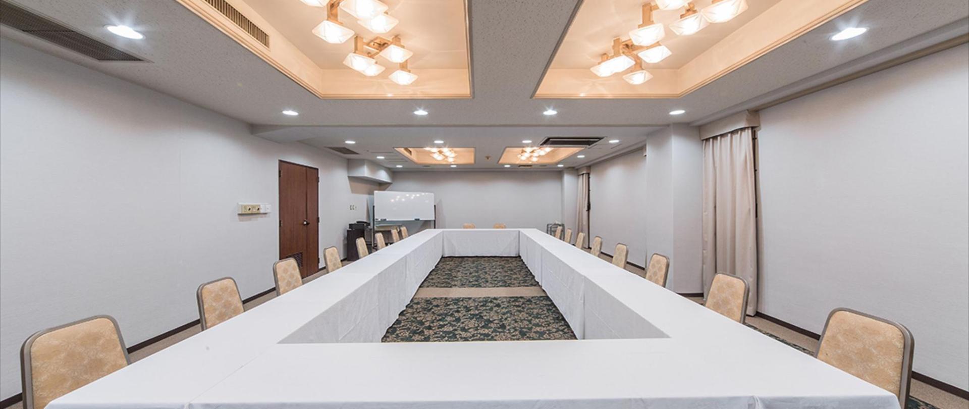 会議室 3_R.jpg