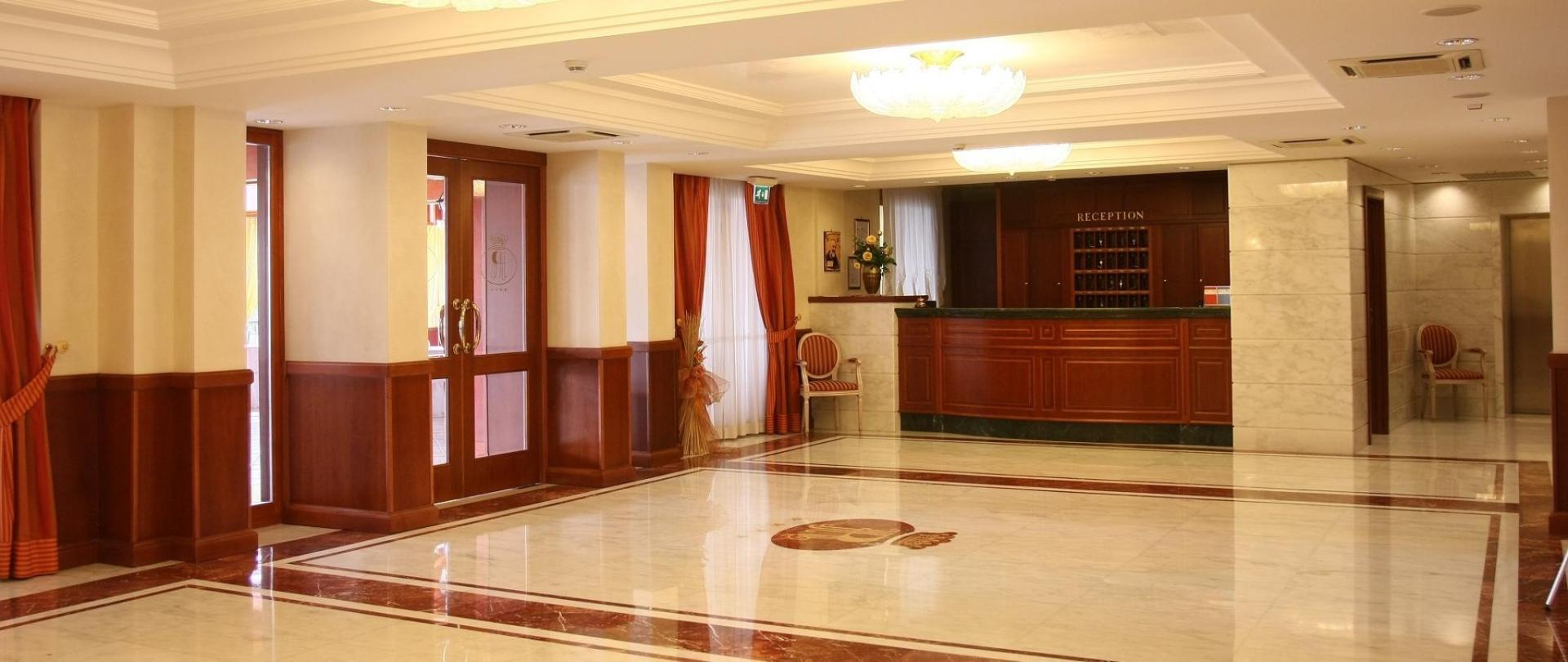 Hotel-avli
