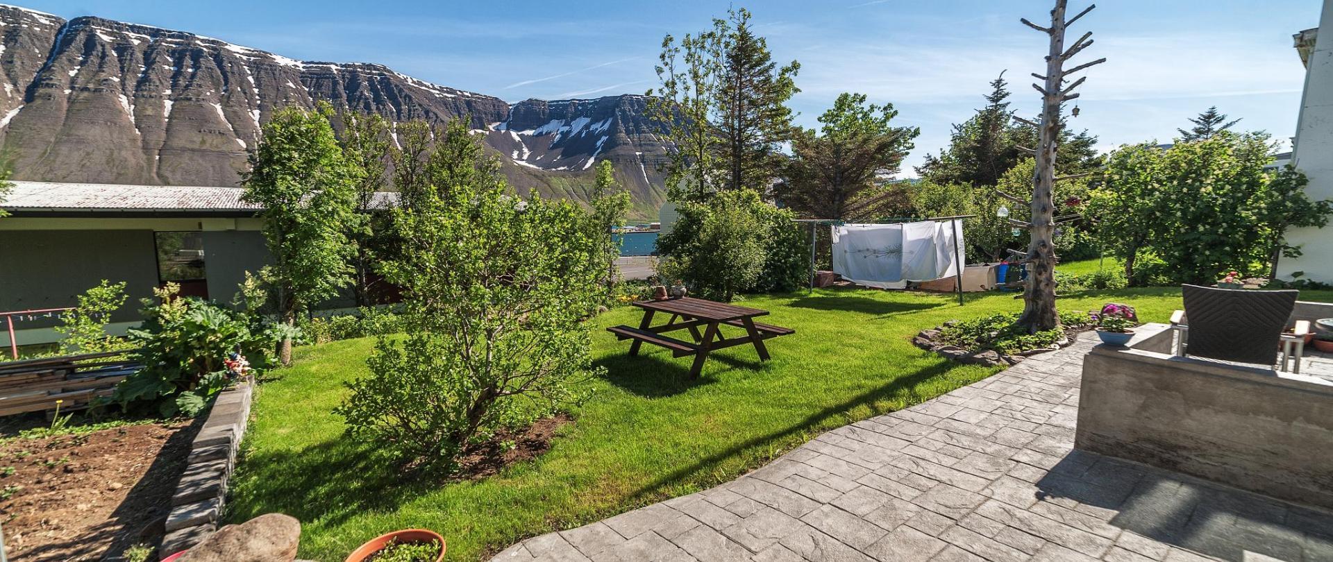 Garður 2.jpg