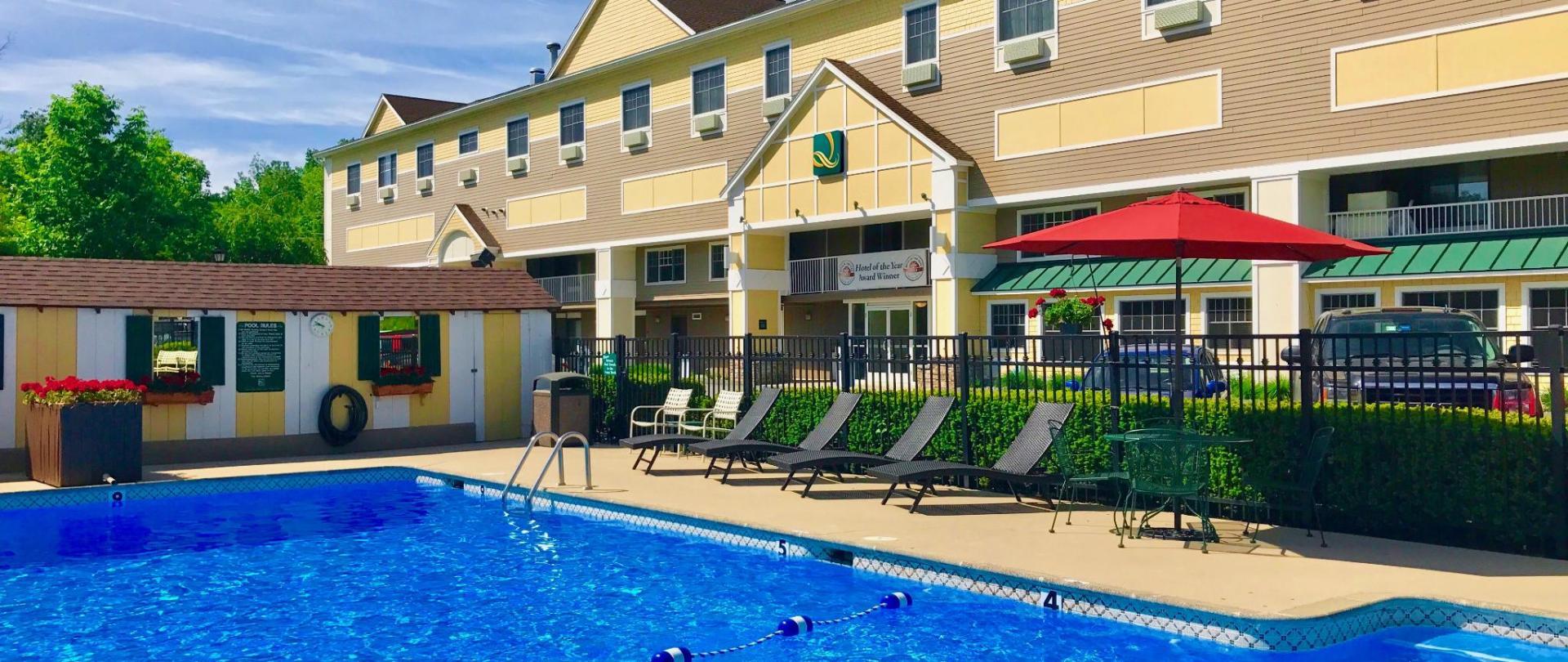 Pool-Hotel 2017.jpg