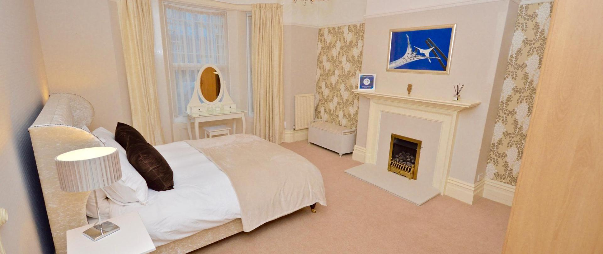 Duplex bedroom pic 2 high res.jpg