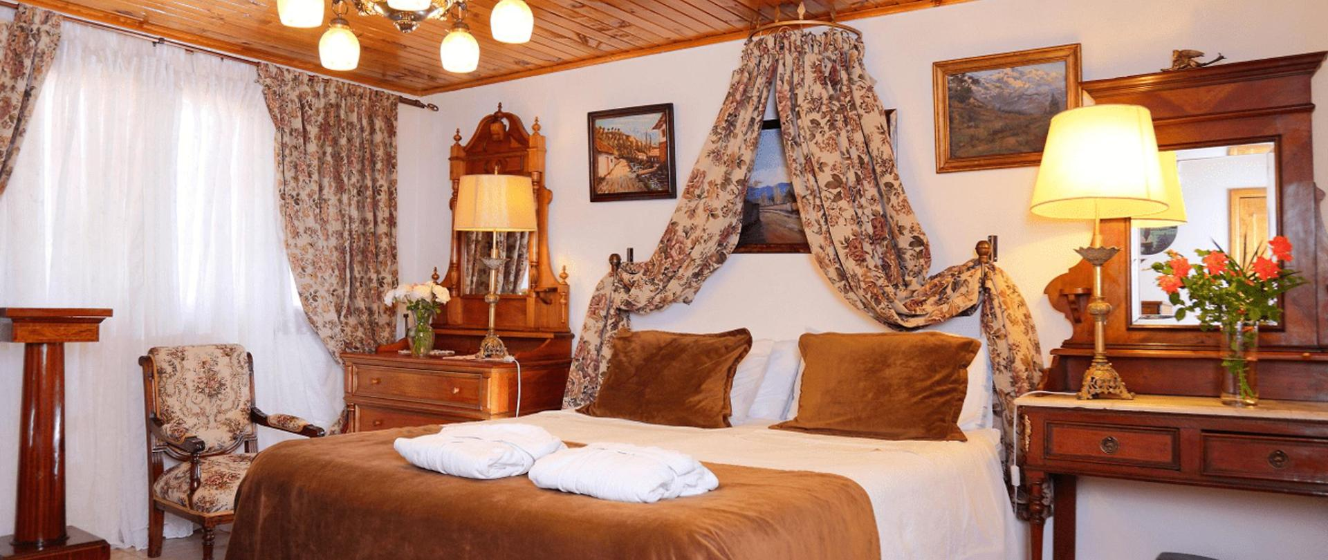 HOTEL BOUTIQUE VINTAGE SANTA CRUZ 03-min.png