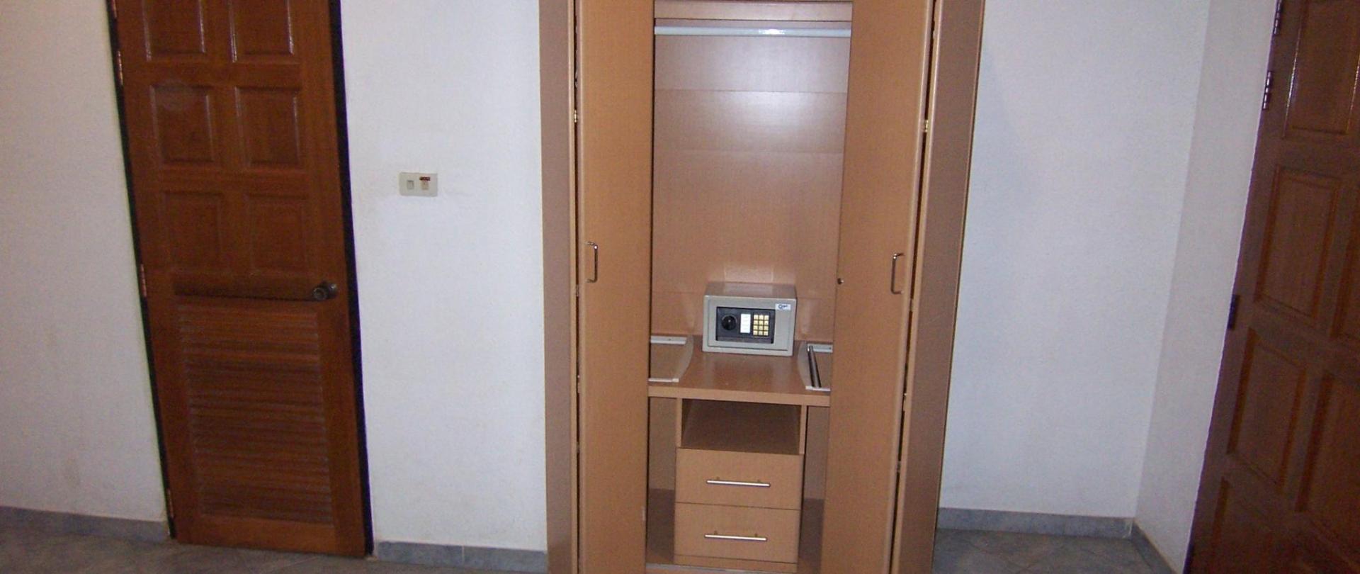 room106-safe.JPG
