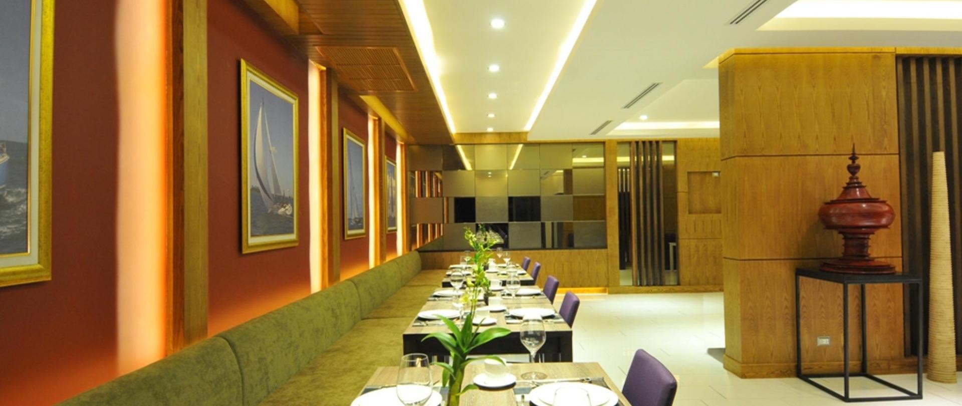 TheBay_Restaurant_04.jpg