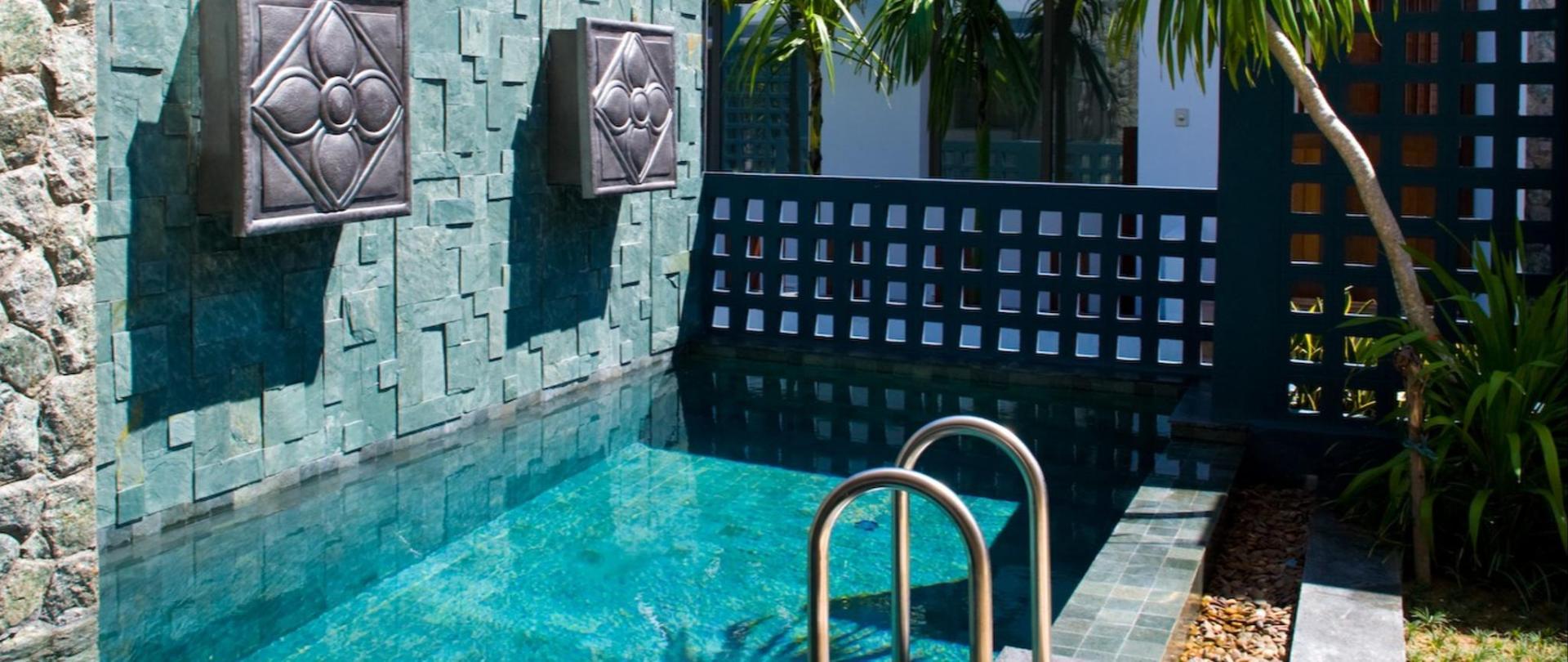 Grand_SwimmingPool.jpg