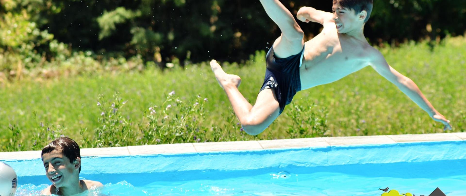 piscina8-casarurallazafrilla.jerezdeloscaballeros.jpg.JPG