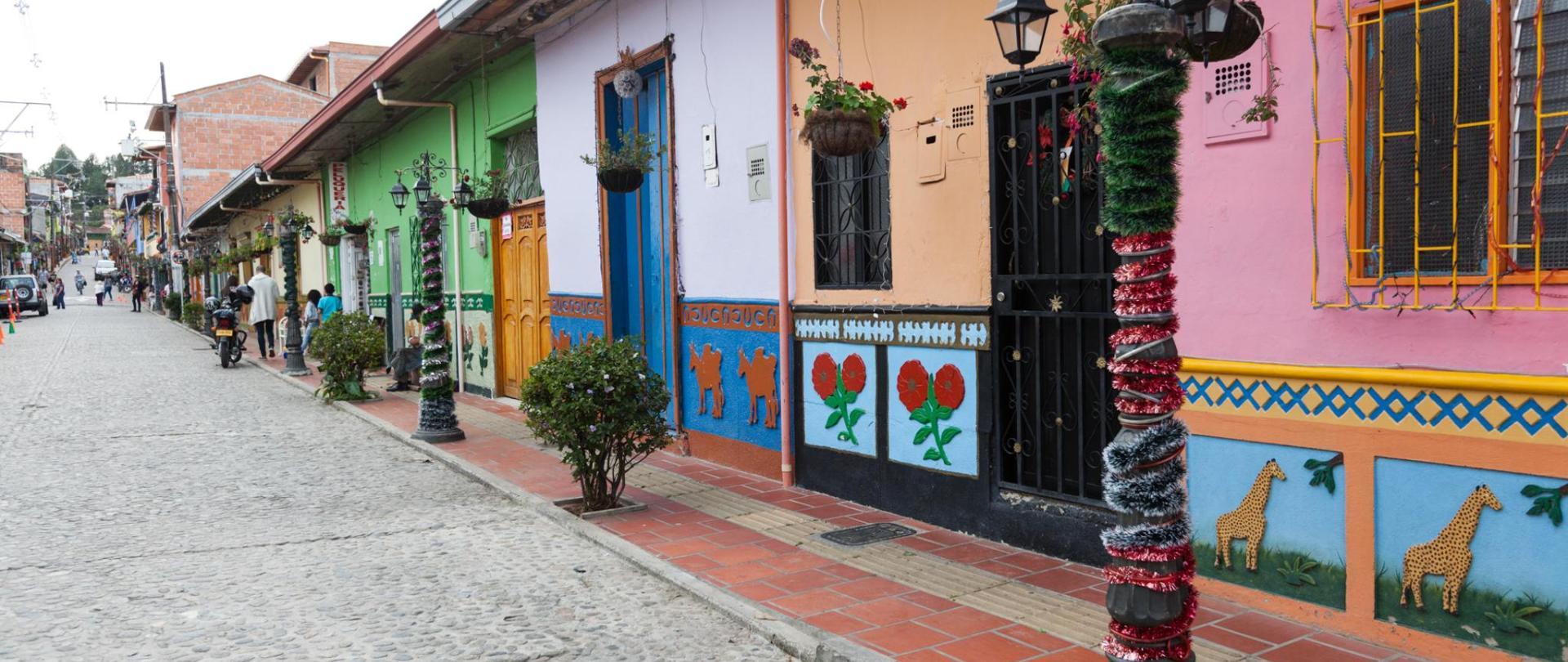 Galería Guatape Pueblo-1.jpg