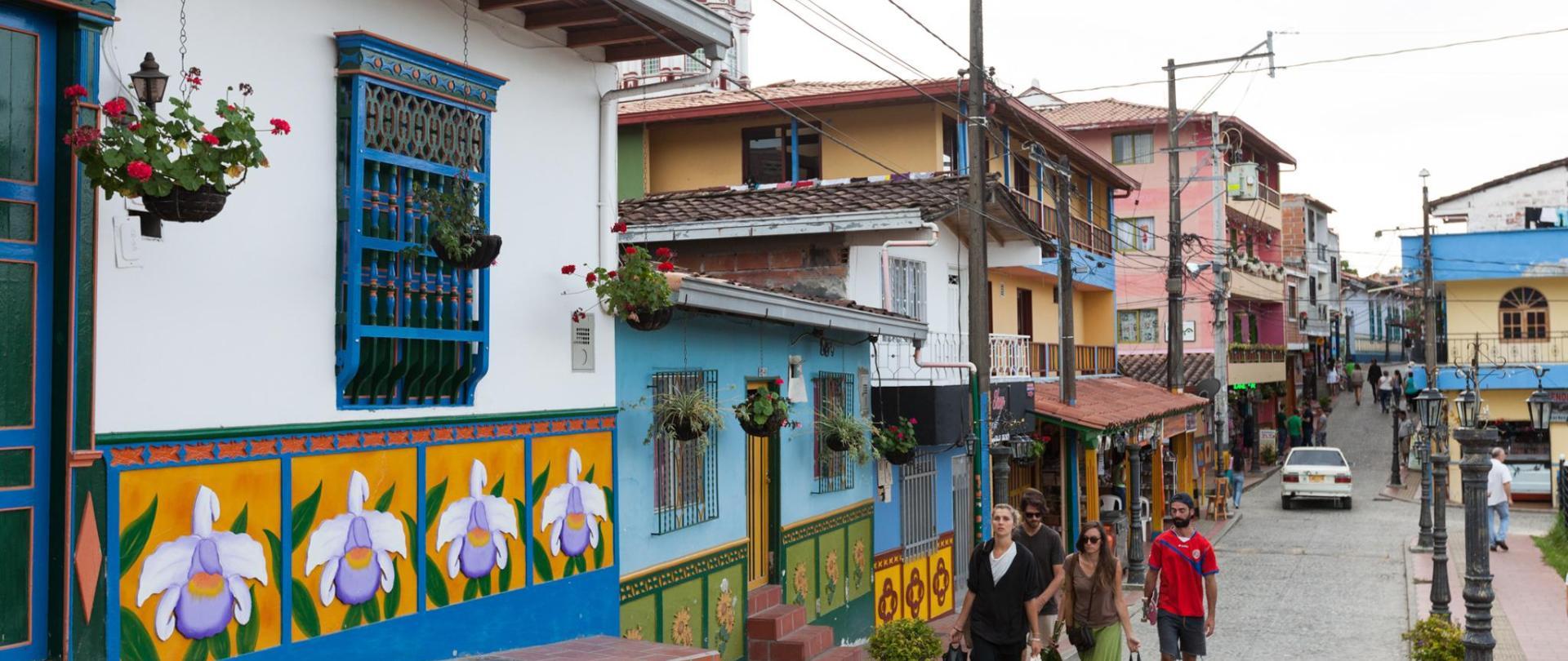 Galería Guatape Pueblo-2.jpg