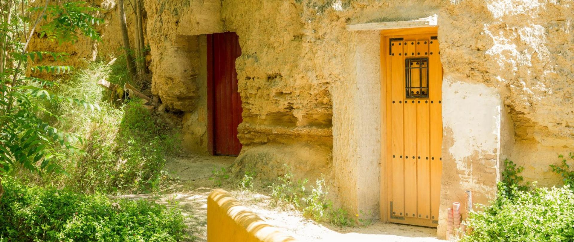 resized_2018_01 Exterior cuevas de Valtierra-5.jpg