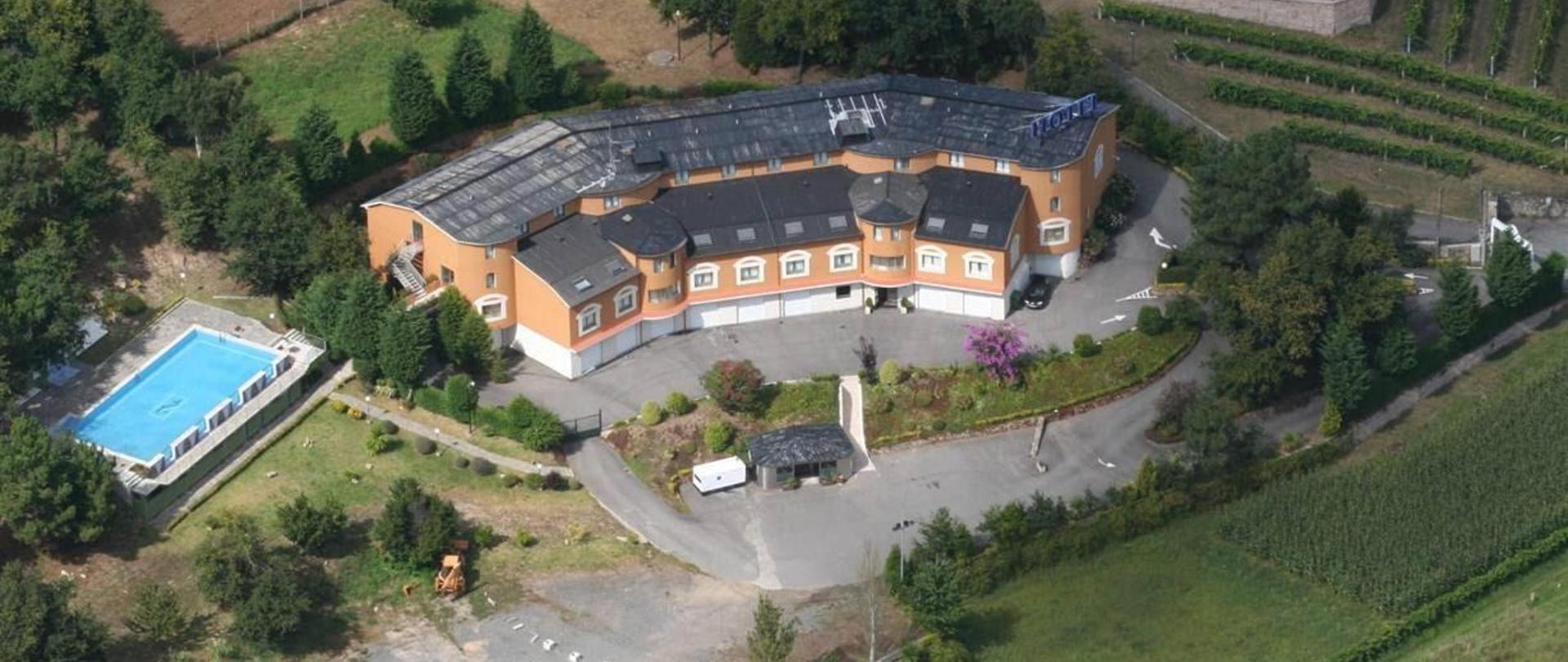 hotel-vialmar-meis-edificio desde el cielo.jpg