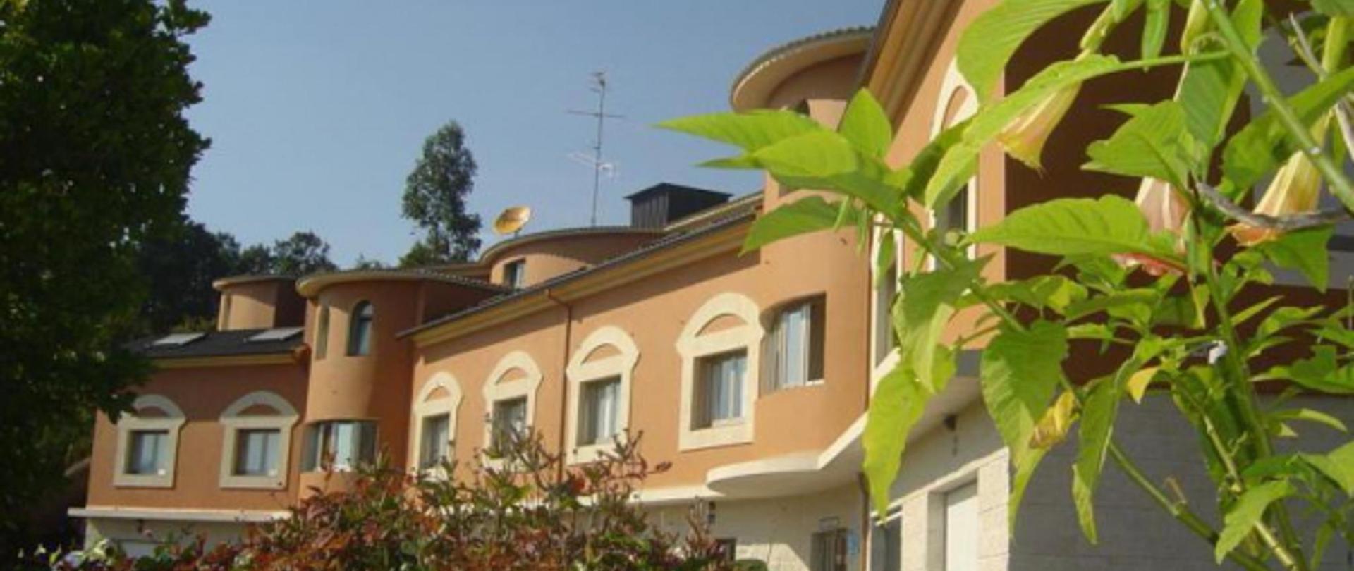 hotel-vialmar-meis-edificio-600x337.jpg