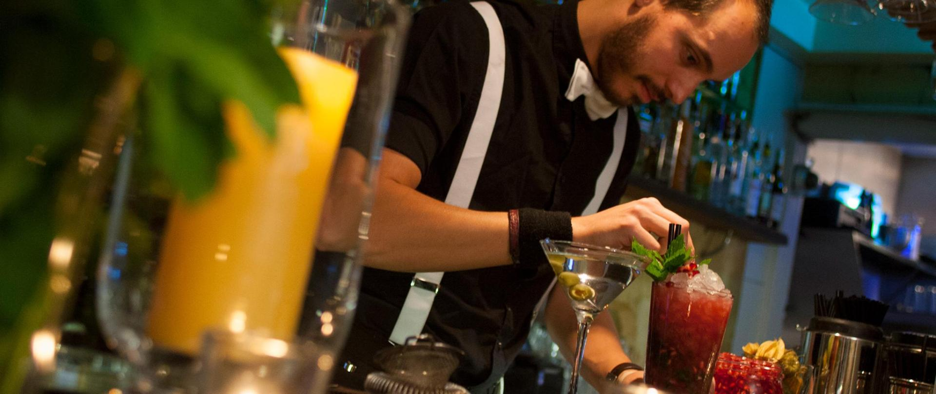 Cocktails-at-sub13.jpg