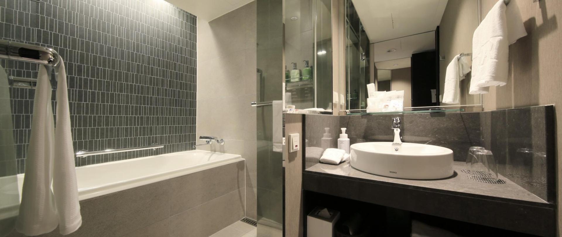 STD Bath.jpg