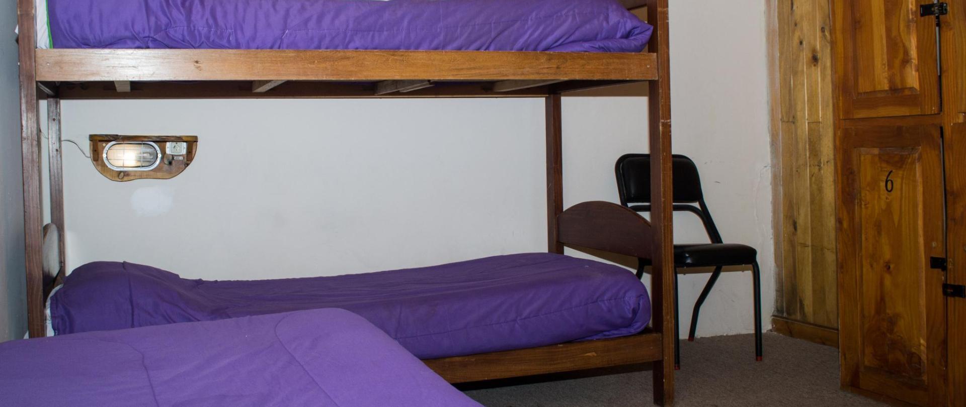 6 bed dorm_0041.jpg