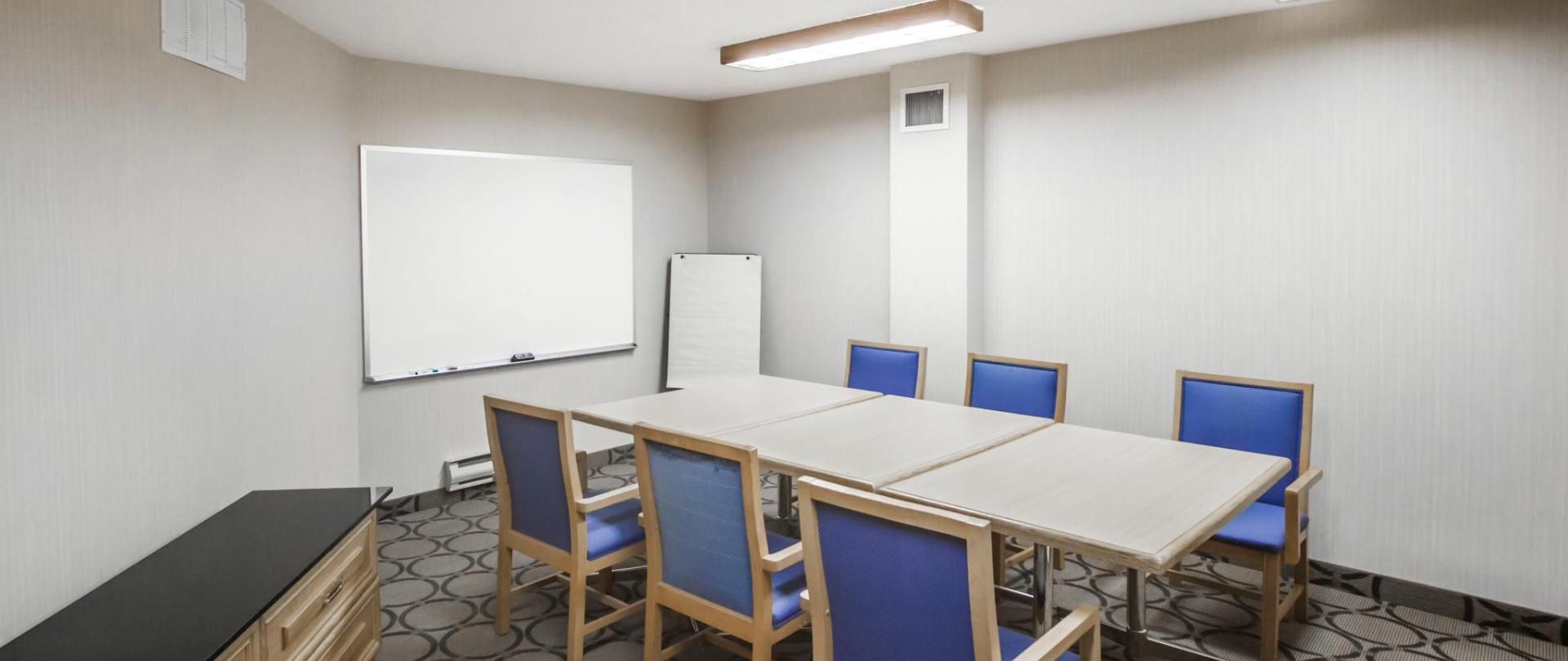 Small Meeting Room.jpg