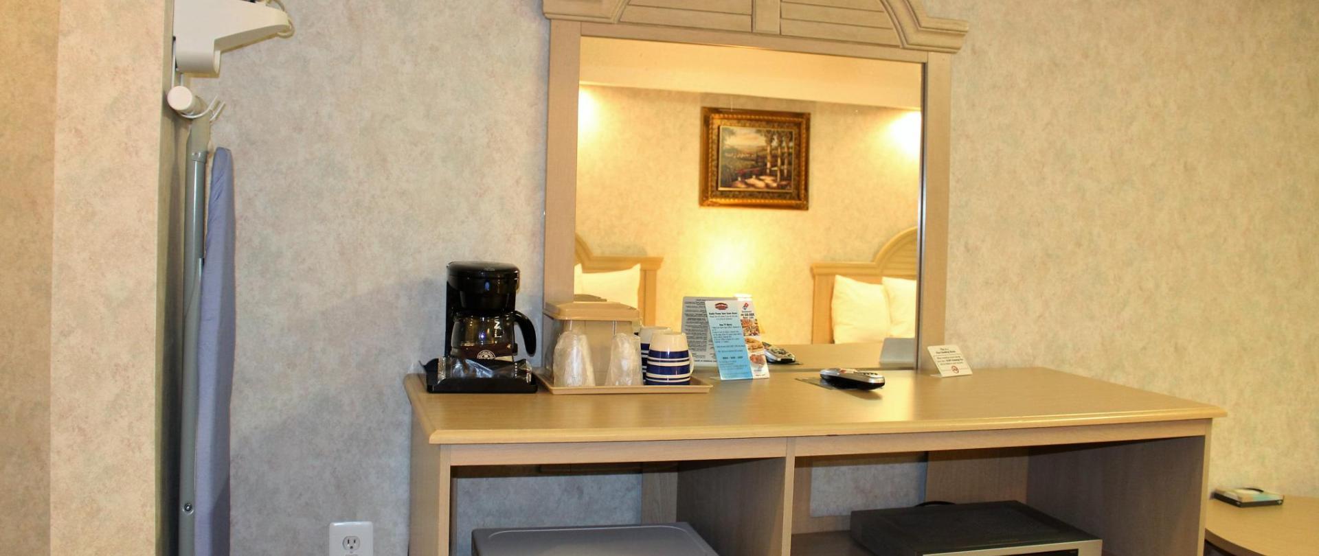 Room Amenities 1.JPG