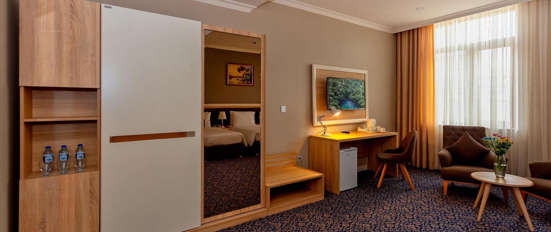 Metrocity Hotel-2.jpg