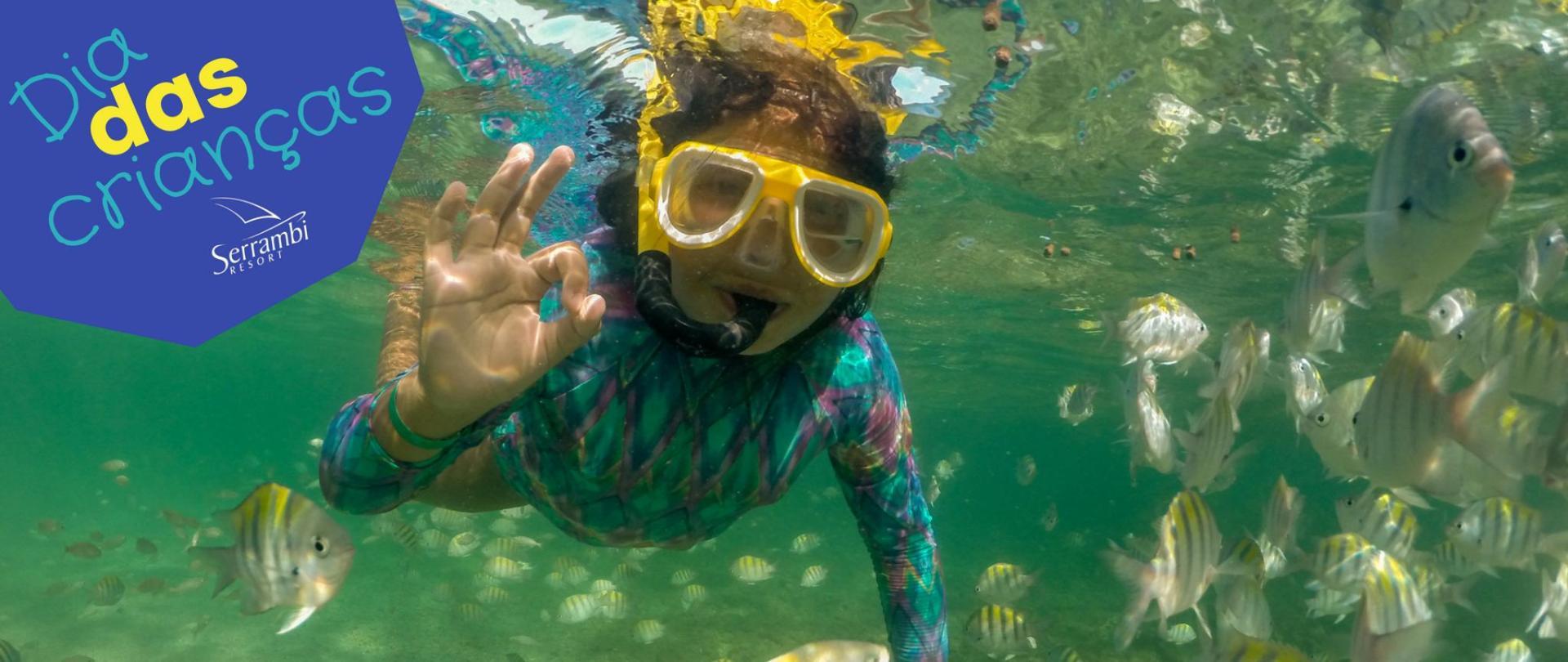 dia-das-criancas-serrambi-resort-menino-mergulhando-peixes.jpg