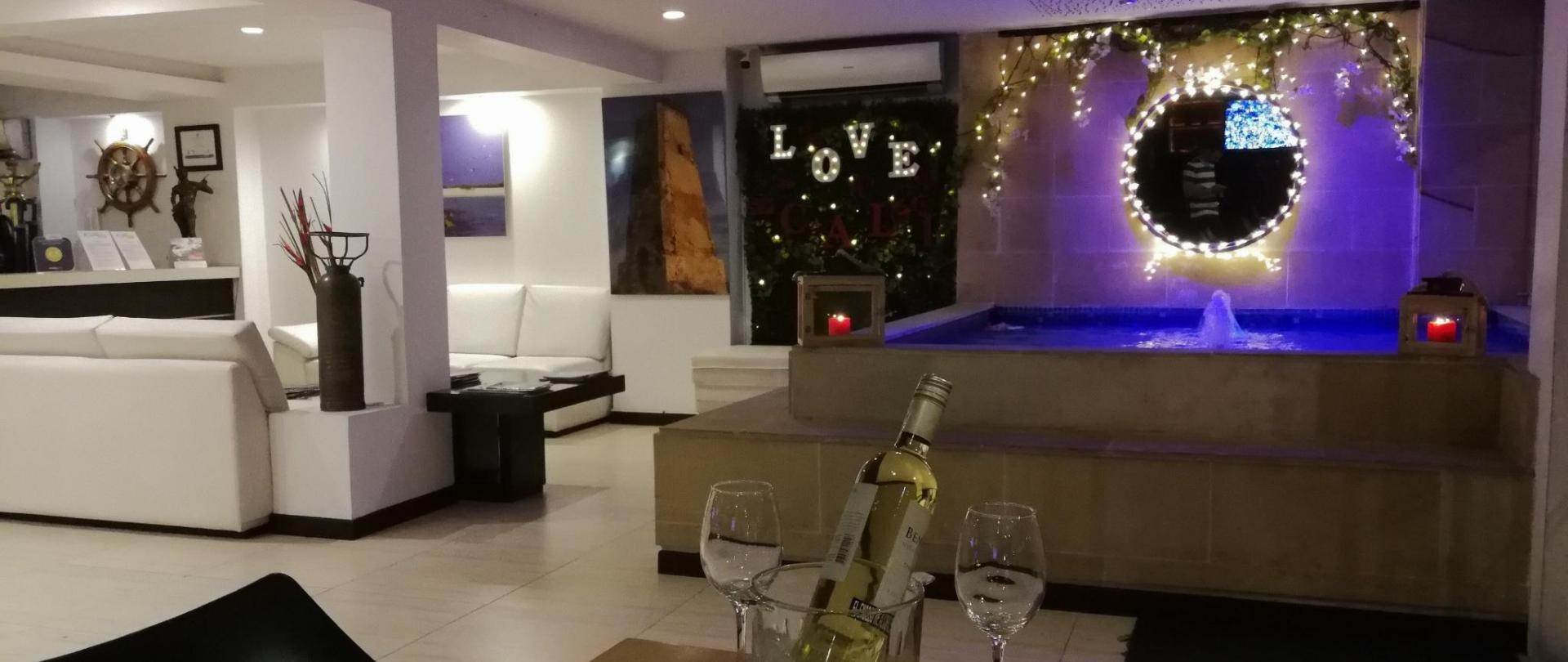 Aqua Granada Hotel Lobby