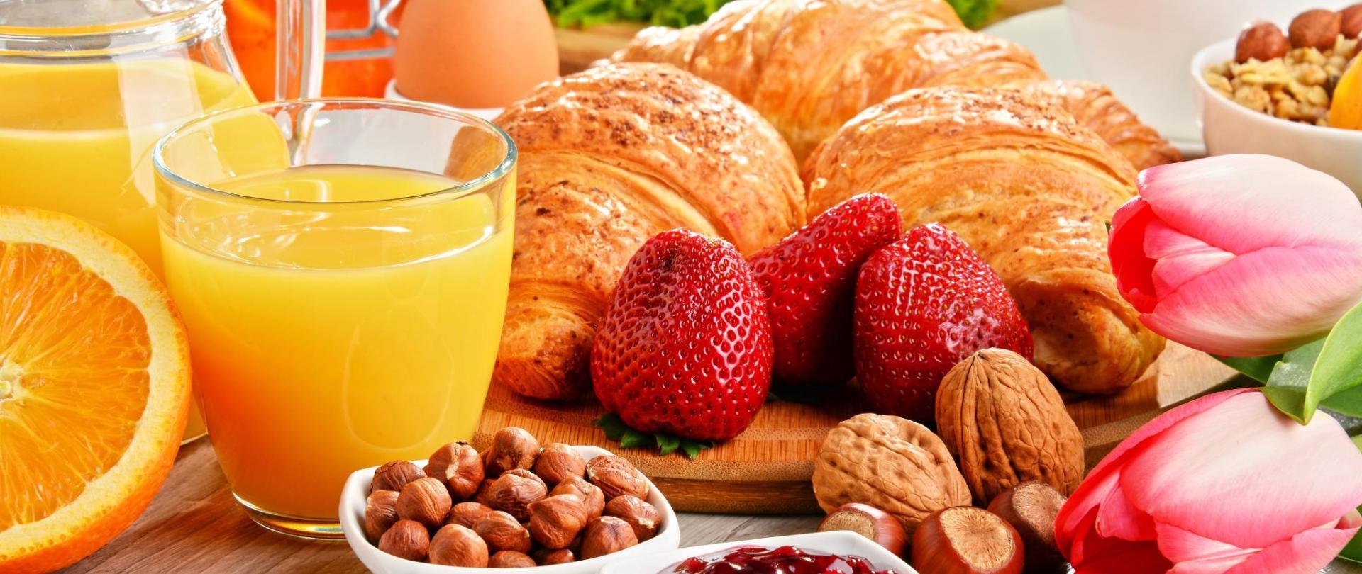 1284118-breakfast.jpg