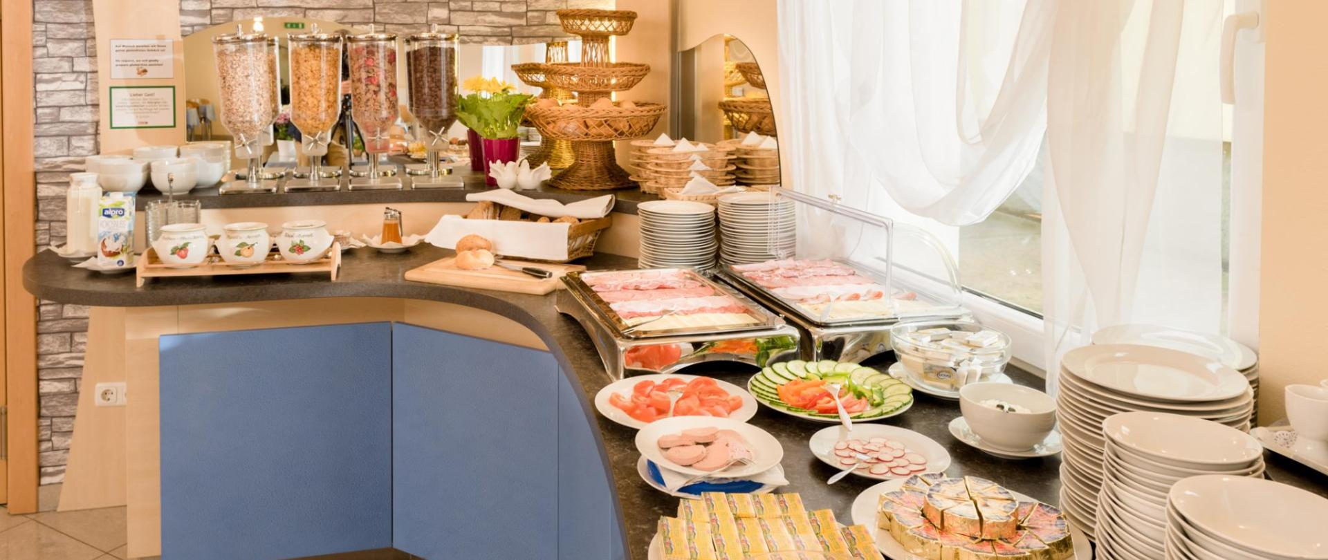 Breakfast buffet 3
