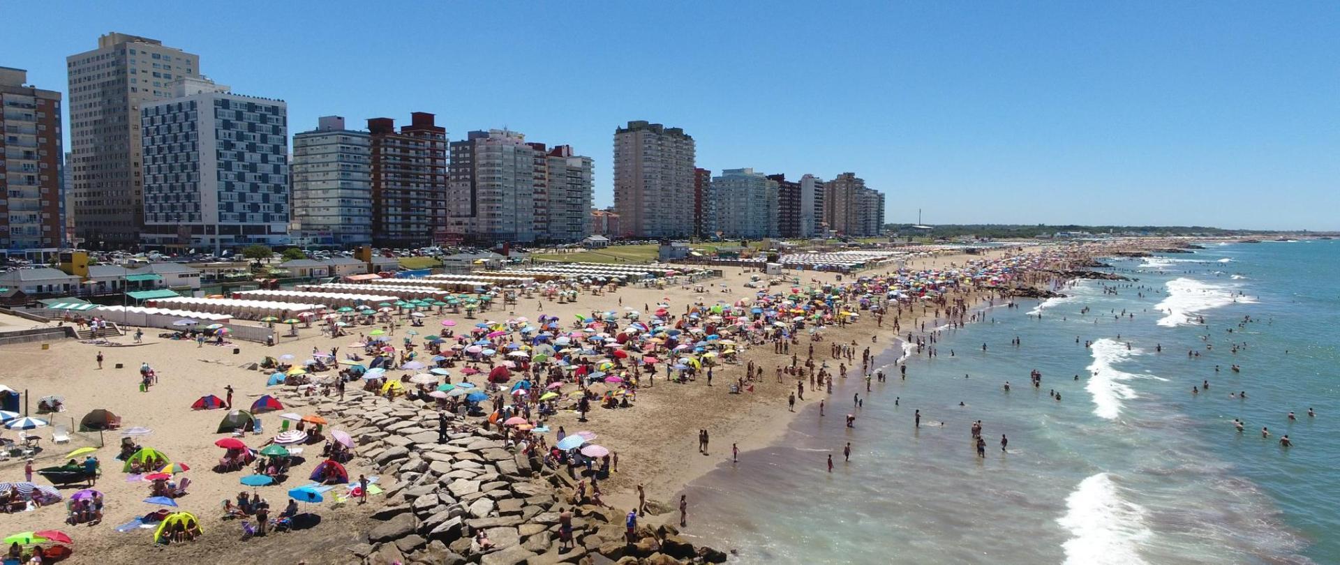 Miramar Verano 2019 Hotel Turingia con carpa gratis.jpg