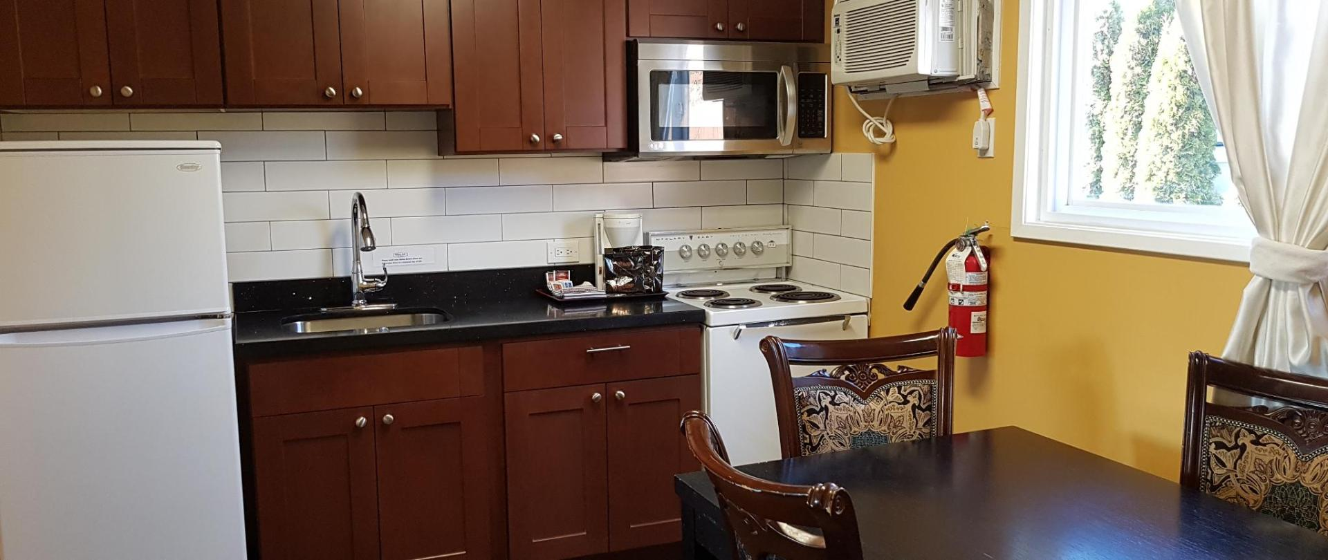 One Bedroom Kitchen Suite - Kitchen 1.jpg