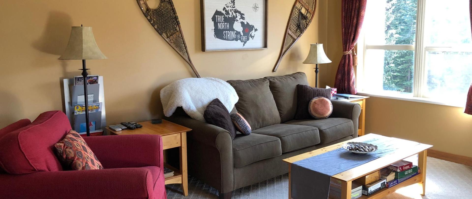 Living Room - Pullout Couch.jpg