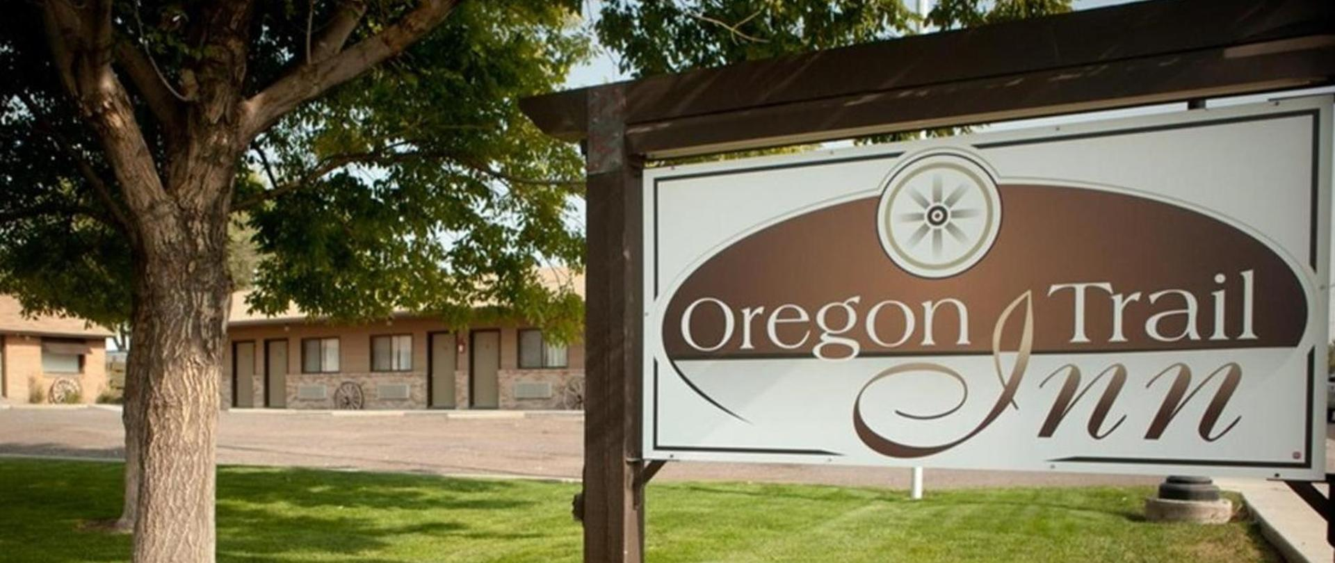 oregon trail inn logo.jpg