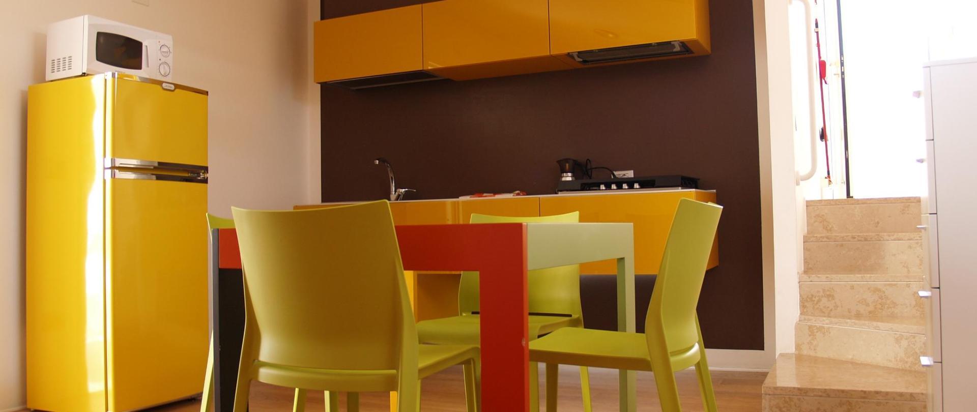 Cucina di un appartamento della Residenza Zaccolo a Lignano
