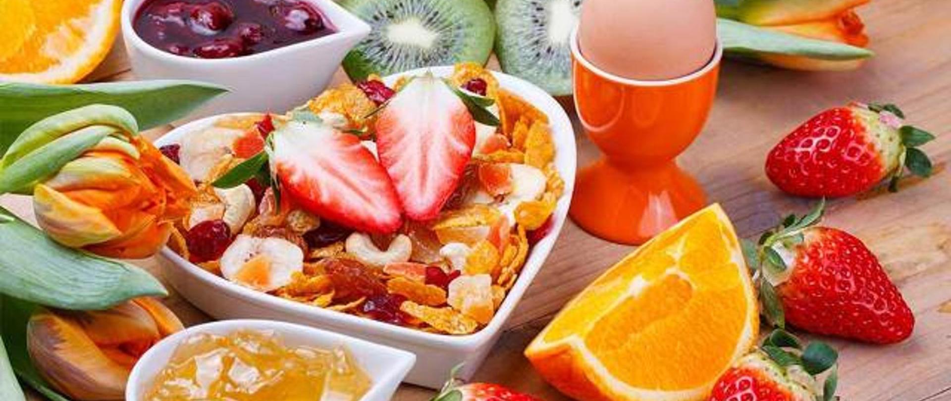colazione-genuina-e-sana-continentale-a-lignano-hotel-la-pigna-ristorante.jpg