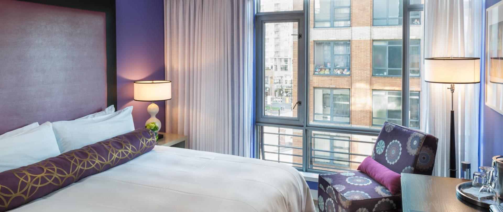 Guestrooms - Standard King (3).jpg