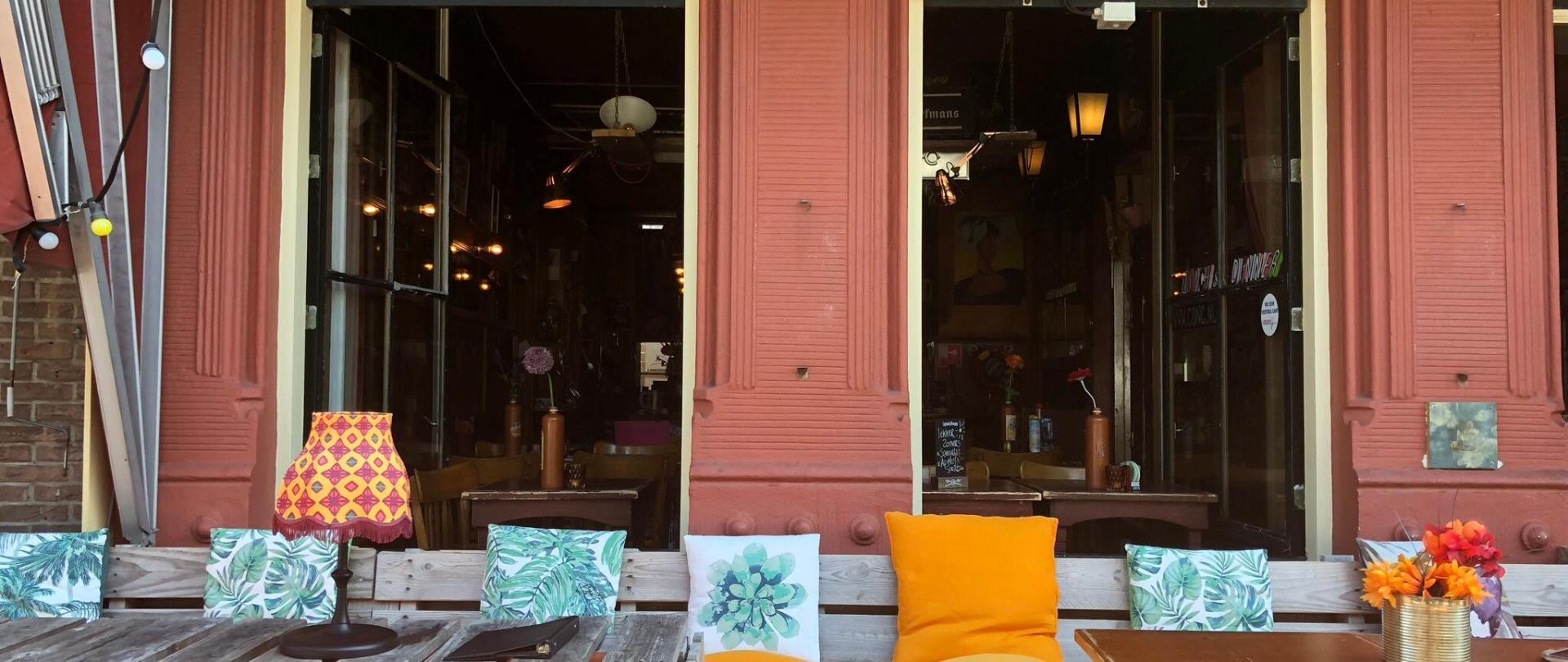 Slapen bij Café de Concurrent