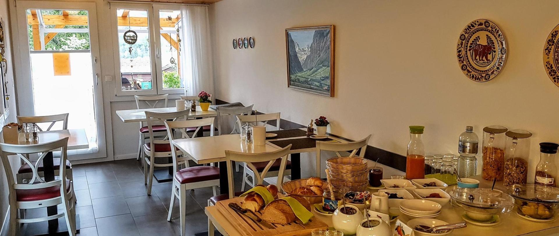 Foto Frühstücksraum 01.jpg