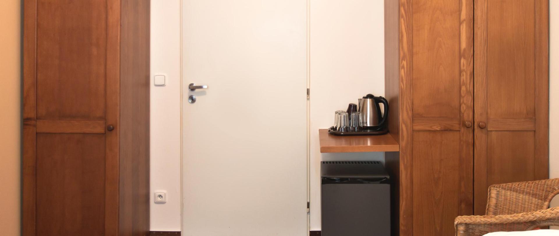 apartman pokoj nalevo dveře 0364.jpg
