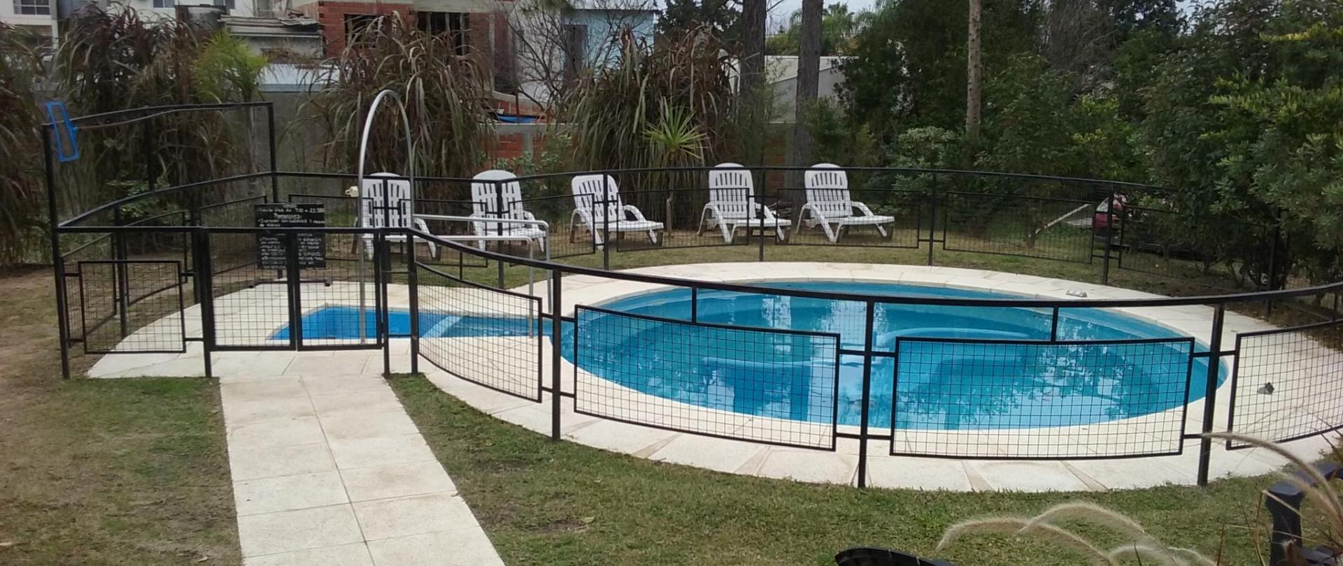 Jacuzzi 1 Hotel Queguay.jpg