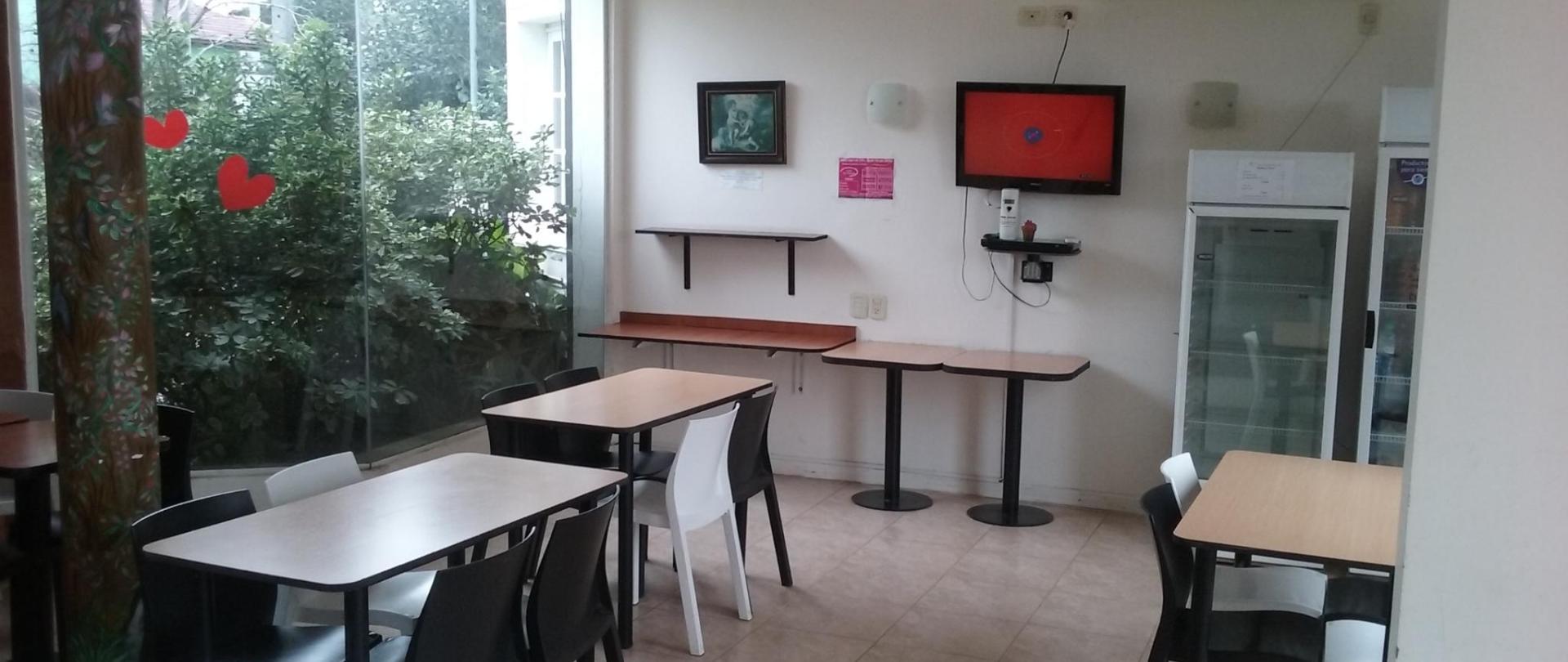 Salon 3 Hotel Queguay.jpg