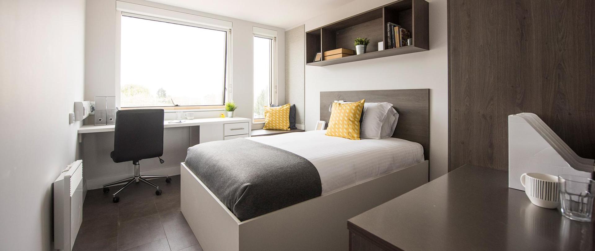 Polden-bedroom-2.jpg
