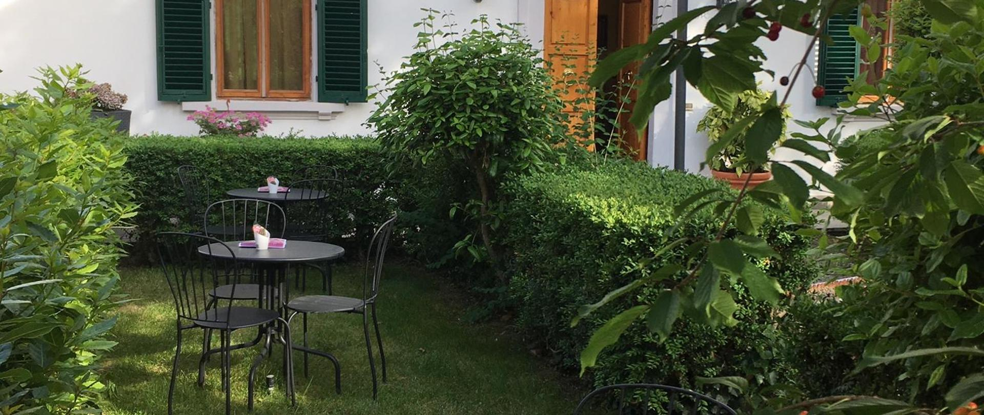 giardino villa2.JPG
